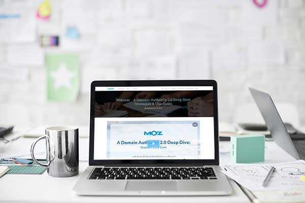Moz using WorkCast for HubSpot webinars