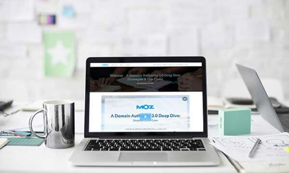 Moz-WorkCast-for-HubSpot-for-email-1